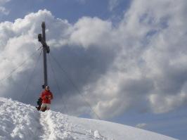 Durch den Schnee zum Gipfelkreuz. Karriere als Herausforderung.